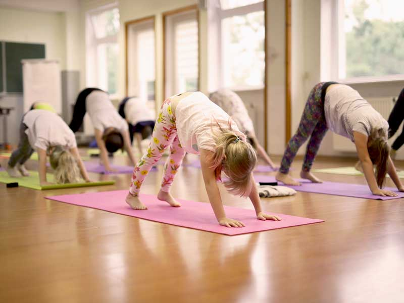 Yoga op school